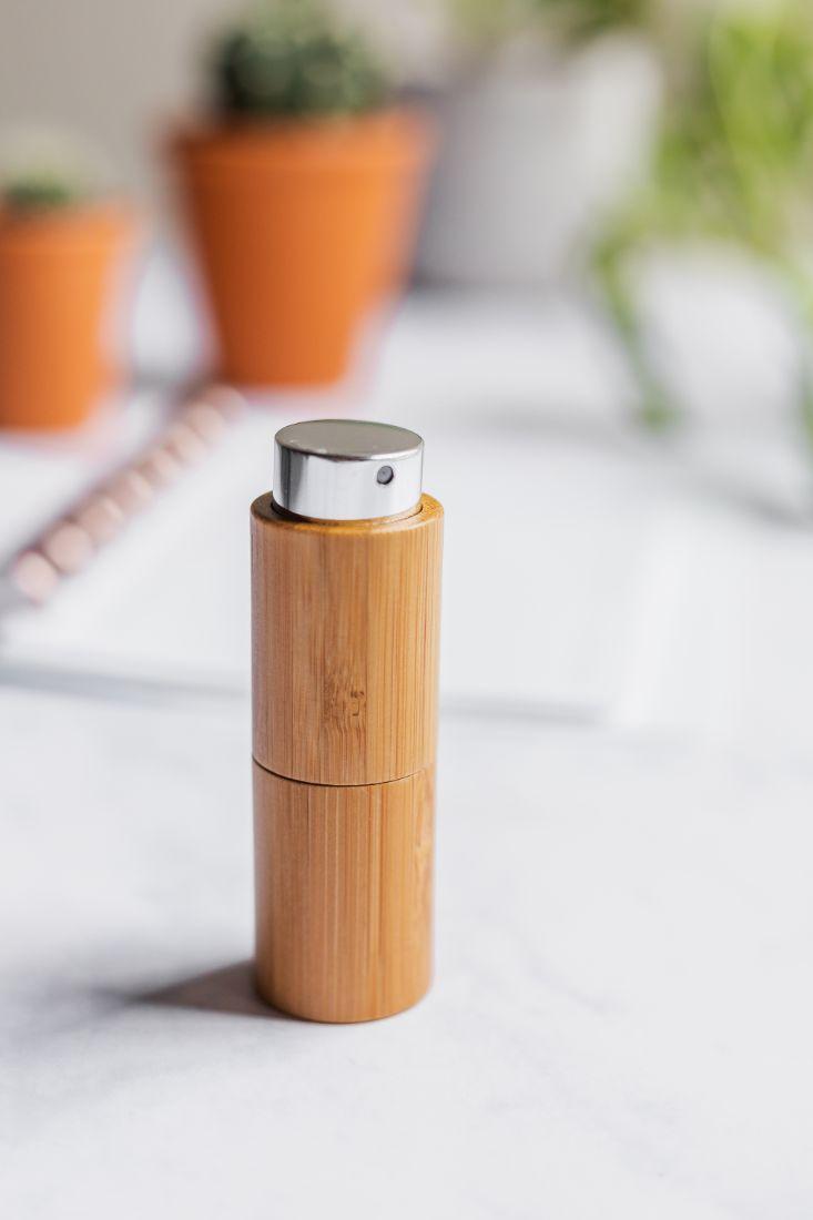 Refillable bamboo spray bottle