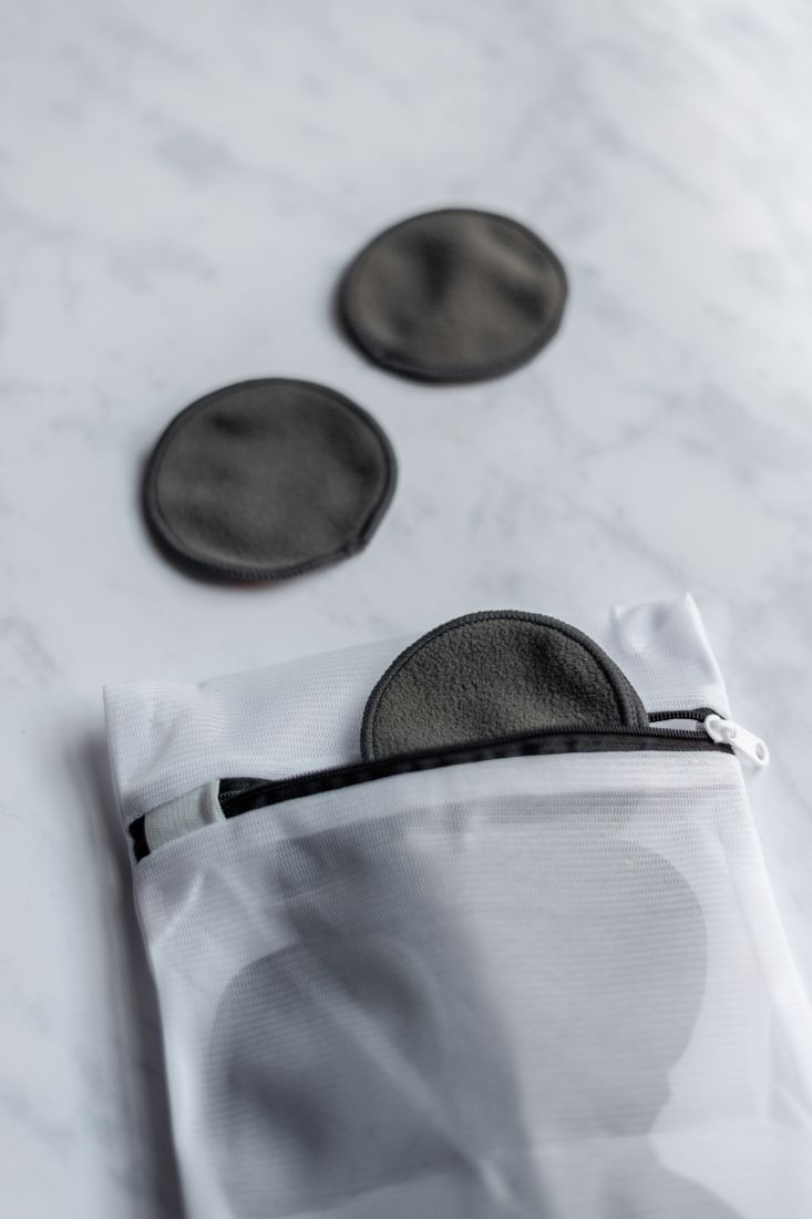 Dark grey make up remover wipes with a laundry bag with zipper