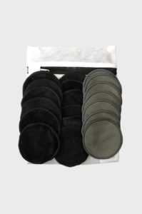 Reusable bamboo make up remover pads with wash bag
