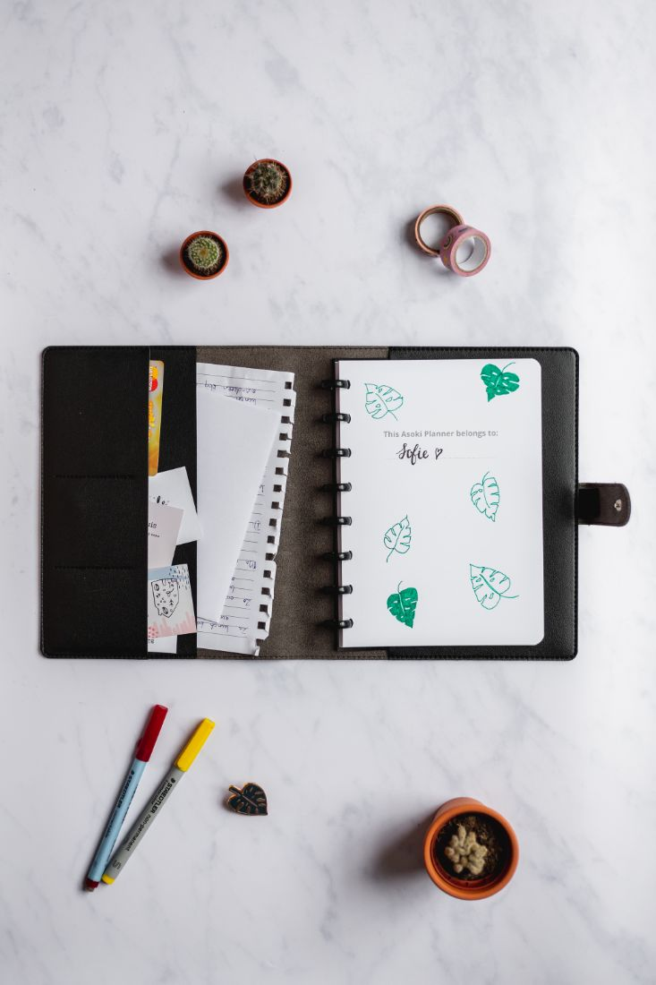 Leather-free cover with pockets to protect your Asoki Planner