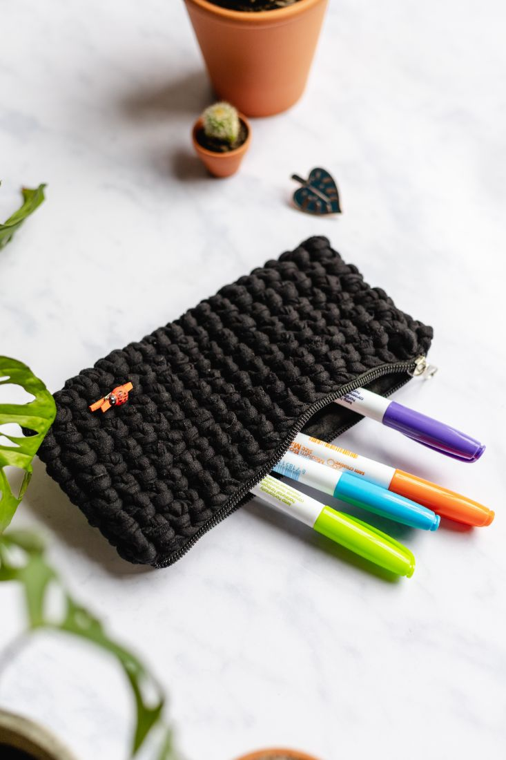 Handmade pencil case made of recycled t-shirt yarn