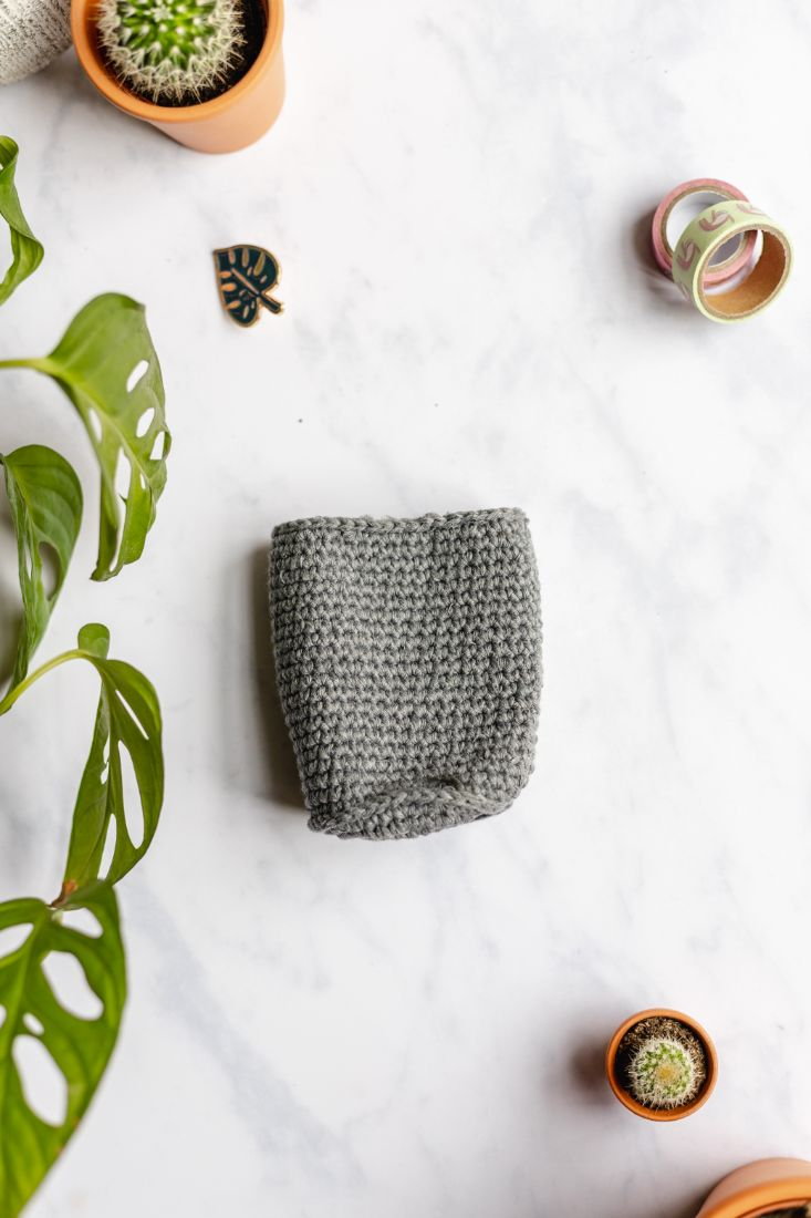 Pencil holder made in Europe, grey cotton