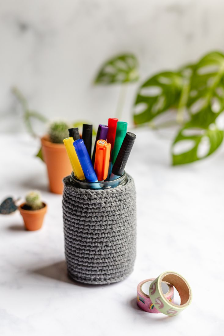 Pencil holder crotchet style for pens